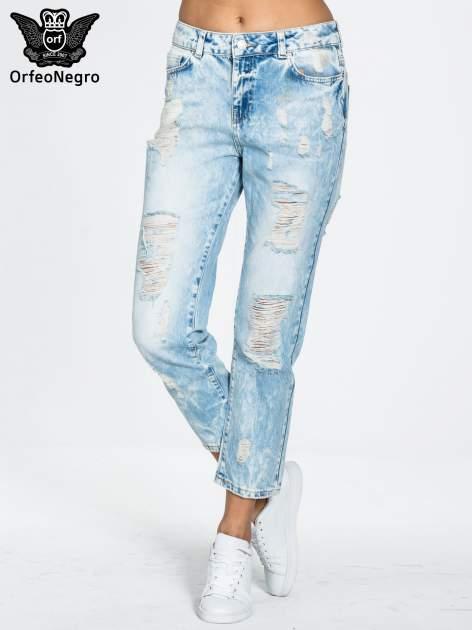 Jasnoniebieskie spodnie boyfriend jeans z przetarciami                                  zdj.                                  1