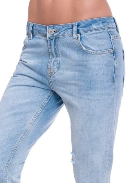 Jasnoniebieskie spodnie jeansowe 7/8  podwijaną nogawką                                  zdj.                                  6