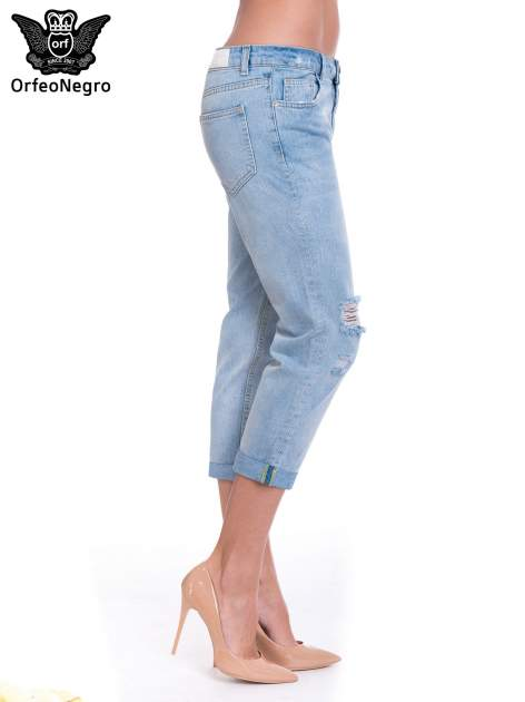 Jasnoniebieskie spodnie jeansowe 7/8  podwijaną nogawką                                  zdj.                                  3