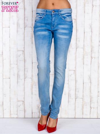 Jasnoniebieskie spodnie jeansowe z wysokim stanem                                  zdj.                                  1