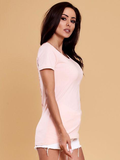 Jasnoróżowa bluzka damska z koronkową wstawką                               zdj.                              6