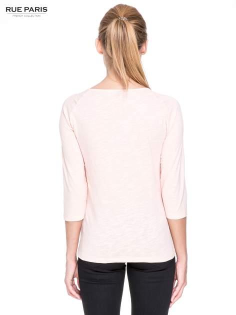 Jasnoróżowa bluzka z koronkowym przodem                                  zdj.                                  4