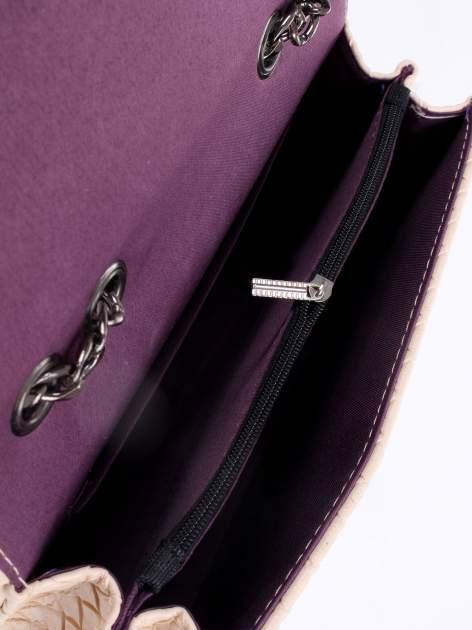 Jasnoróżowa mała pleciona torebka na łańcuszku                                  zdj.                                  10