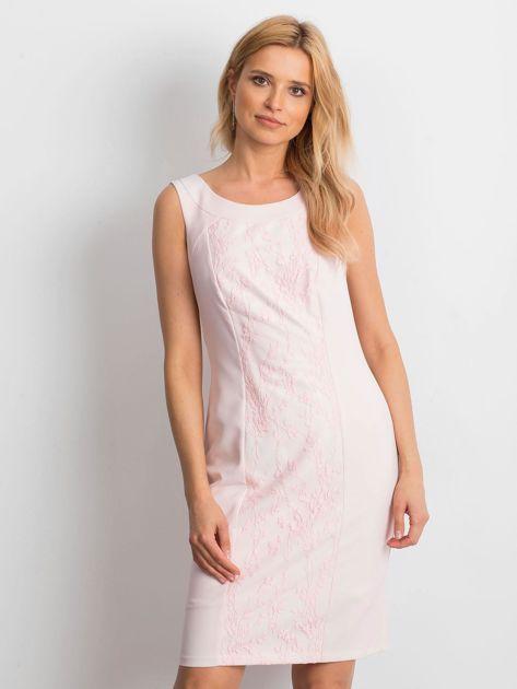 Jasnoróżowa sukienka Chastity