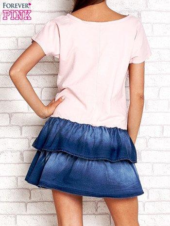 Jasnoróżowa sukienka dresowa z jeansowym dołem                                  zdj.                                  2
