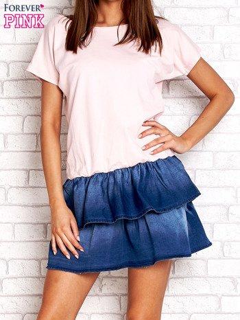 Jasnoróżowa sukienka dresowa z jeansowym dołem                                  zdj.                                  1