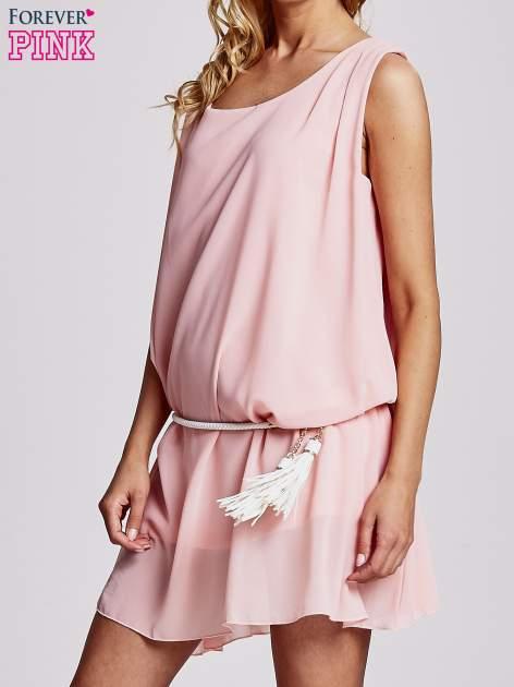 Jasnoróżowa sukienka z paskiem z frędzlami                                  zdj.                                  5