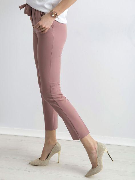Jasnoróżowe spodnie z wiązaniem                               zdj.                              3