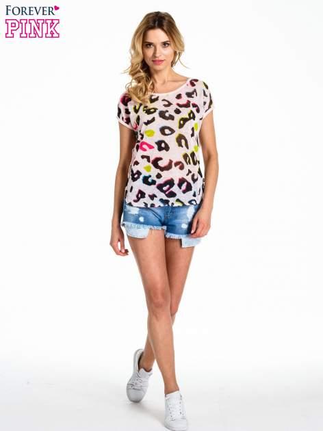 Jasnoróżowy panterkowy t-shirt z koronkowym tyłem                                  zdj.                                  2