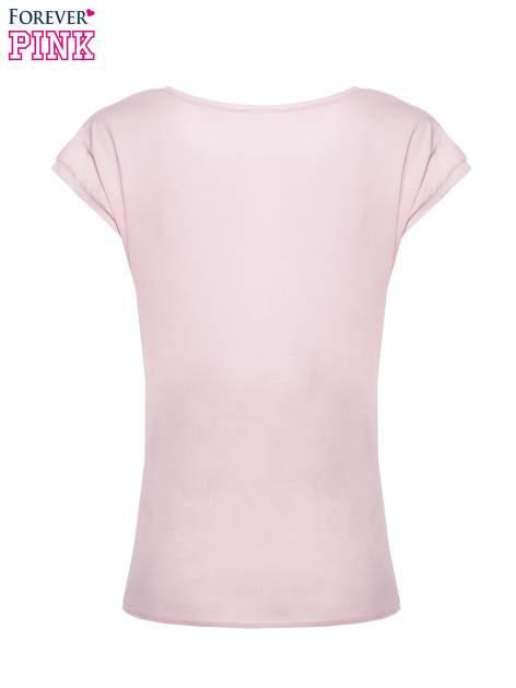 Jasnoróżowy t-shirt z nadrukiem tekstowym PIĘKNA MĄDRA SKROMNA                                  zdj.                                  5