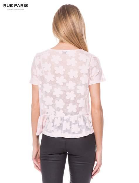 Jasnoróżowy transparentny t-shirt w kwiaty z baskinką                                  zdj.                                  3