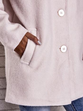 Jasnoróżowy wełniany płaszcz damski z kieszeniami i kołnierzem                                  zdj.                                  10