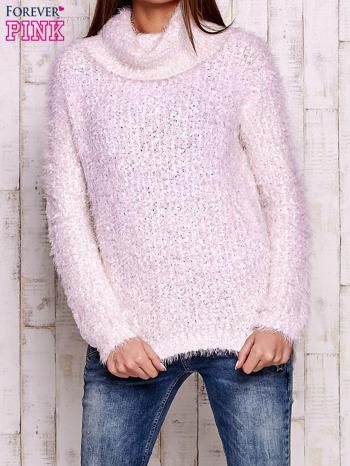 Jasnoróżowy włochaty sweter z golfem                                  zdj.                                  1