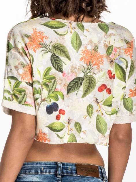 Jasnoszara bluza cropped z nadrukiem numerycznym                                  zdj.                                  6
