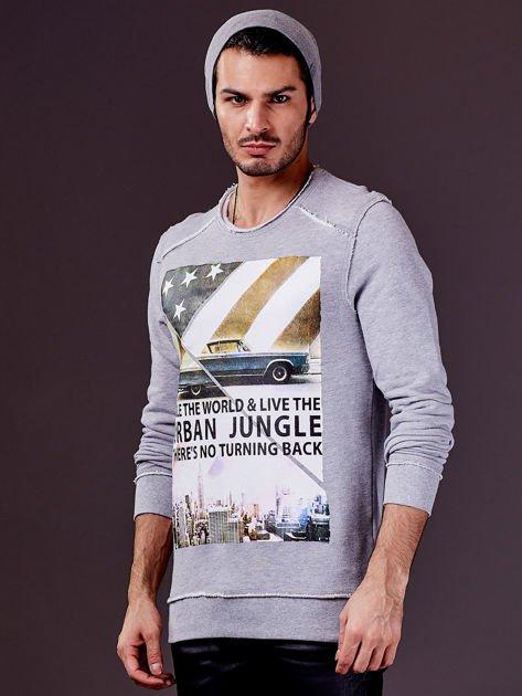 Jasnoszara bluza męska z nadrukiem i surowym wykończeniem                              zdj.                              6