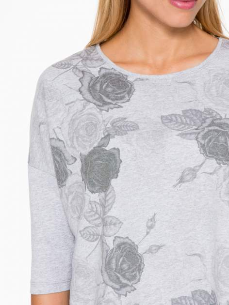 Jasnoszara bluza oversize z nadrukiem kwiatowym                                  zdj.                                  6