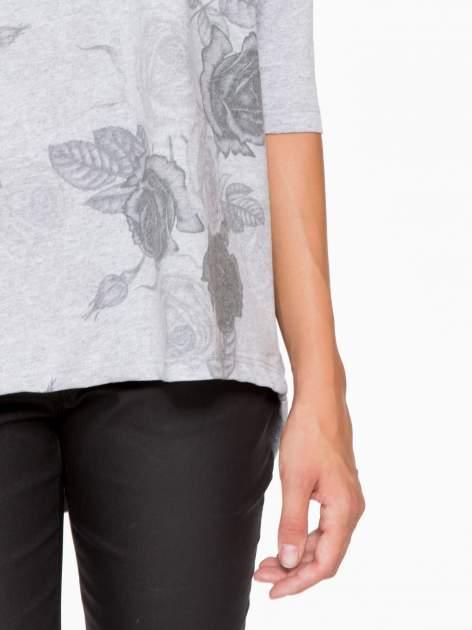 Jasnoszara bluza oversize z nadrukiem kwiatowym                                  zdj.                                  7