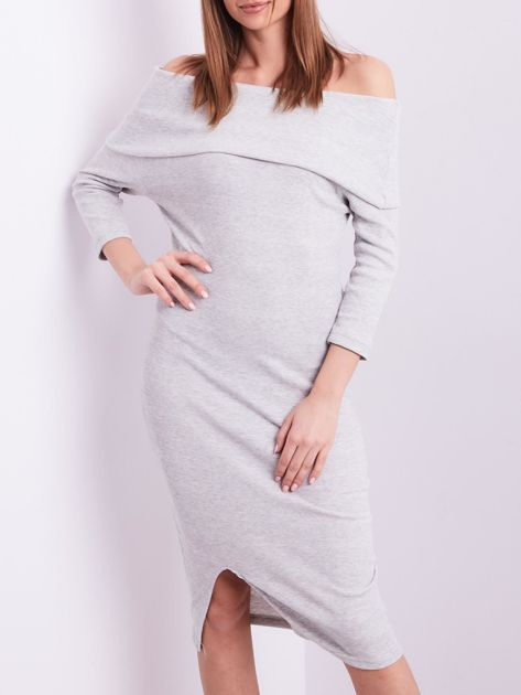 Jasnoszara dopasowana sukienka z odkrytymi ramionami                              zdj.                              1