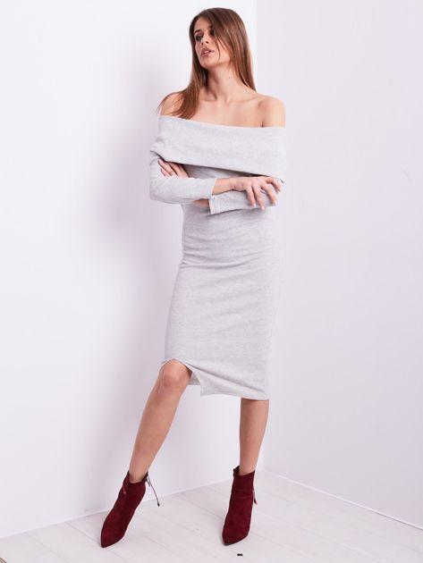Jasnoszara dopasowana sukienka z odkrytymi ramionami                              zdj.                              4