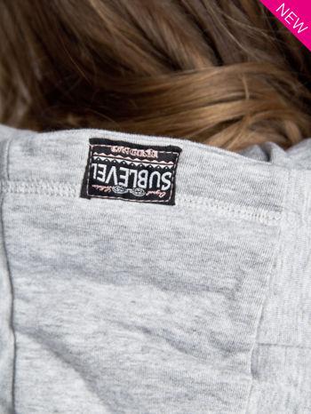 Jasnoszara dresowa bluza sportowa z kapturem                                  zdj.                                  7