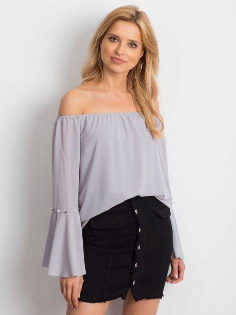 Jasnoszara elegancka bluzka hiszpanka z perełkami                              zdj.                              1