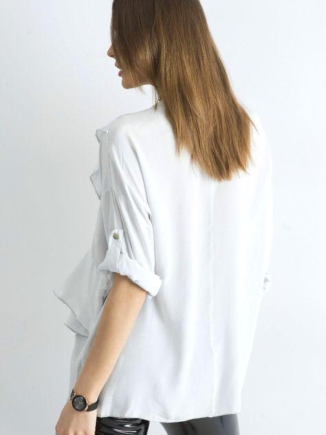 Jasnoszara luźna bluzka z asymetryczną falbaną                              zdj.                              2