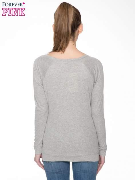 Jasnoszara melanżowa bawełniana bluzka z rękawami typu reglan                                  zdj.                                  4