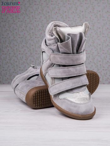 Jasnoszare zamszowe sneakersy na rzepy Axis z wstawkami                                  zdj.                                  4