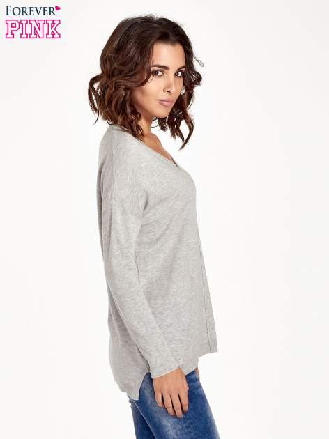 Jasnoszary sweter V-neck z rozporkami                                  zdj.                                  3