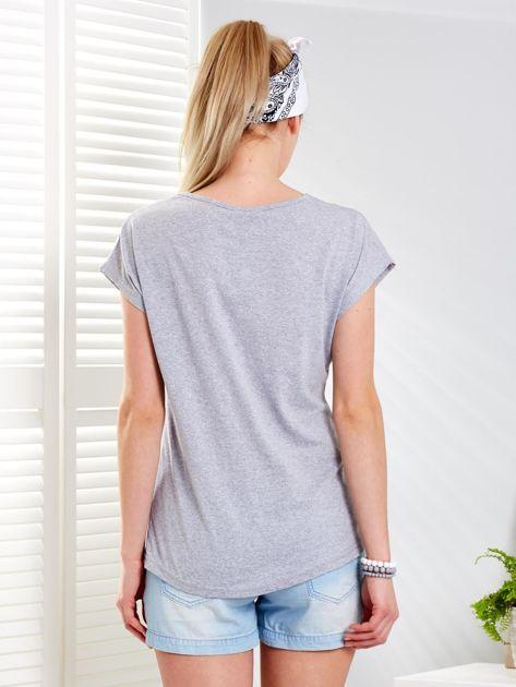 Jasnoszary t-shirt NOT ALONE                              zdj.                              2