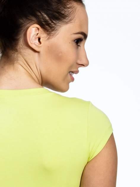 Jasnozielony damski t-shirt sportowy basic                                  zdj.                                  6