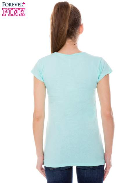 Jasnozielony t-shirt z nadrukiem SMILE                                  zdj.                                  4
