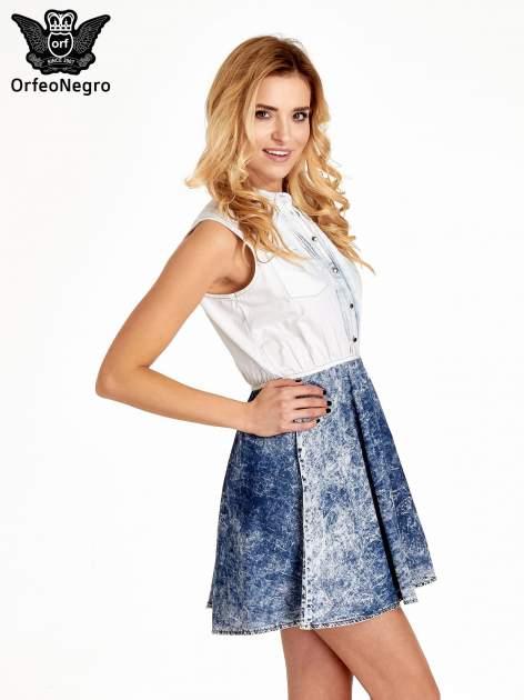 Jeansowa sukienka z efektem marmurkowym                                  zdj.                                  3