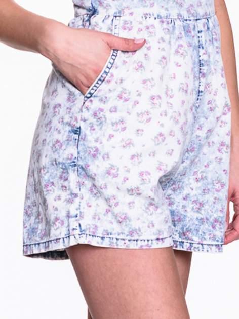 Jeansowy krótki kombinezon w róże                                  zdj.                                  6
