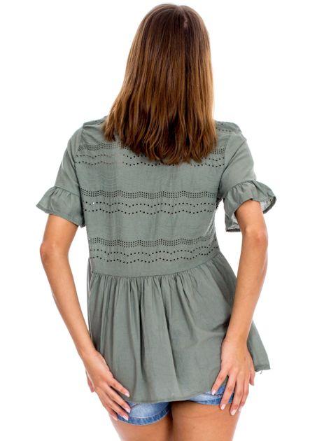 Khaki ażurowa bluzka z falbanami na rękawach                              zdj.                              2