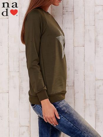 Khaki bluza z nadrukiem gwiazdy                                  zdj.                                  3