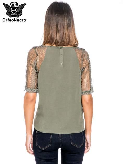 Khaki bluzka koszulowa z koronkowymi rękawami                                  zdj.                                  4