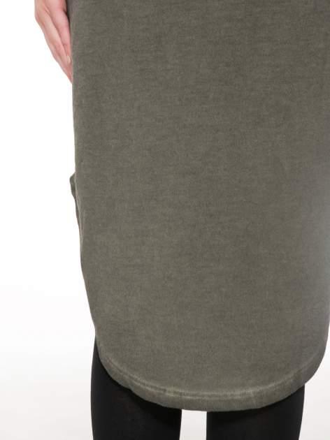 Khaki dresowa sukienka z koronkowym karczkiem                                  zdj.                                  10
