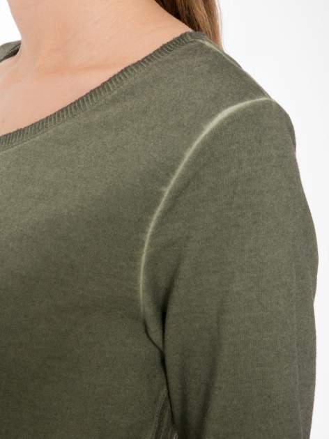 Khaki dresowa sukienkotunika z zaokrąglonym dołem                                  zdj.                                  5