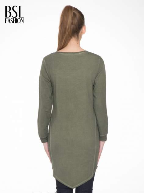 Khaki dresowa sukienkotunika z zaokrąglonym dołem                                  zdj.                                  4