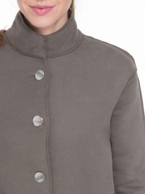 Khaki dresowy płaszcz o kroju oversize                                  zdj.                                  5