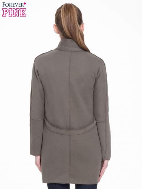 Khaki dresowy płaszcz o kroju oversize                                  zdj.                                  4