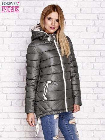 Khaki pikowana kurtka z kontrastowymi suwakami                                  zdj.                                  3