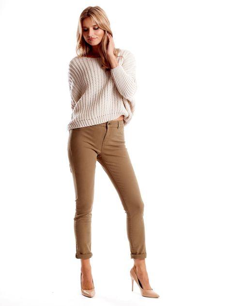 Khaki spodnie damskie o prostym kroju                              zdj.                              4