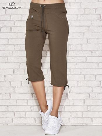 Khaki spodnie dresowe capri z kieszonką                                  zdj.                                  2