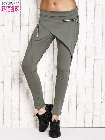 Khaki spodnie dresowe z suwakami                              zdj.                              1