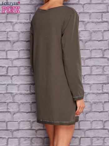 Khaki sukienka oversize z kieszeniami                                  zdj.                                  4
