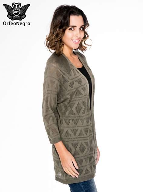 Khaki sweter narzutka o geometrycznym splocie                                  zdj.                                  3