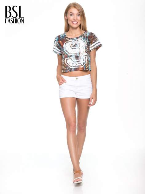 Khaki t-shirt typu crop top z numerkiem                                  zdj.                                  5