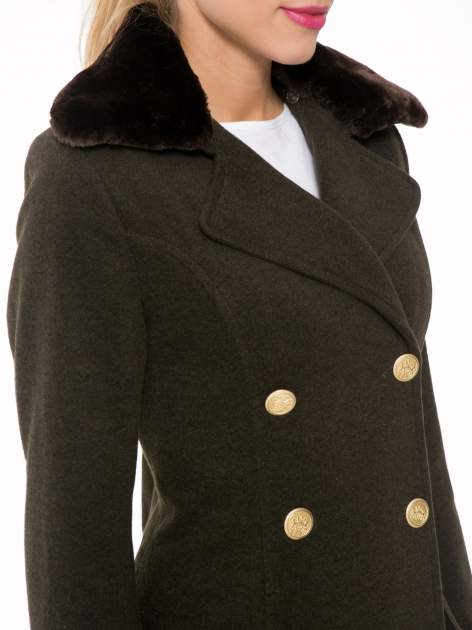 Khaki wełniany płaszcz dwurzędowy z futrzanym kołnierzem                                  zdj.                                  7